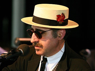 Feature Article: Leon Redbone - the cult of Redbone