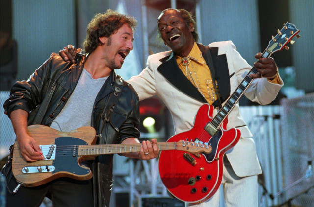 bruce-springsteen-chuck-berry-perform-billboard-1548